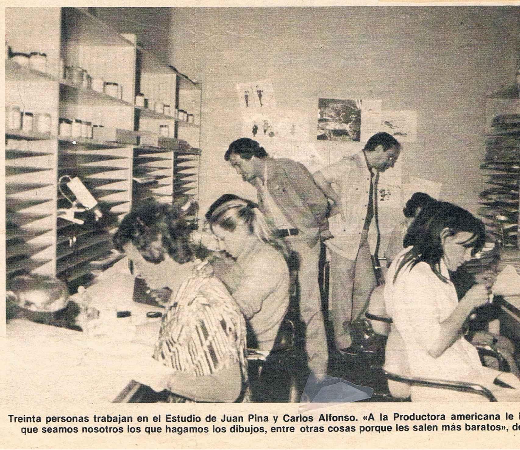 Recorte de periódico de los estudios de animación de Carlos Alfonso.
