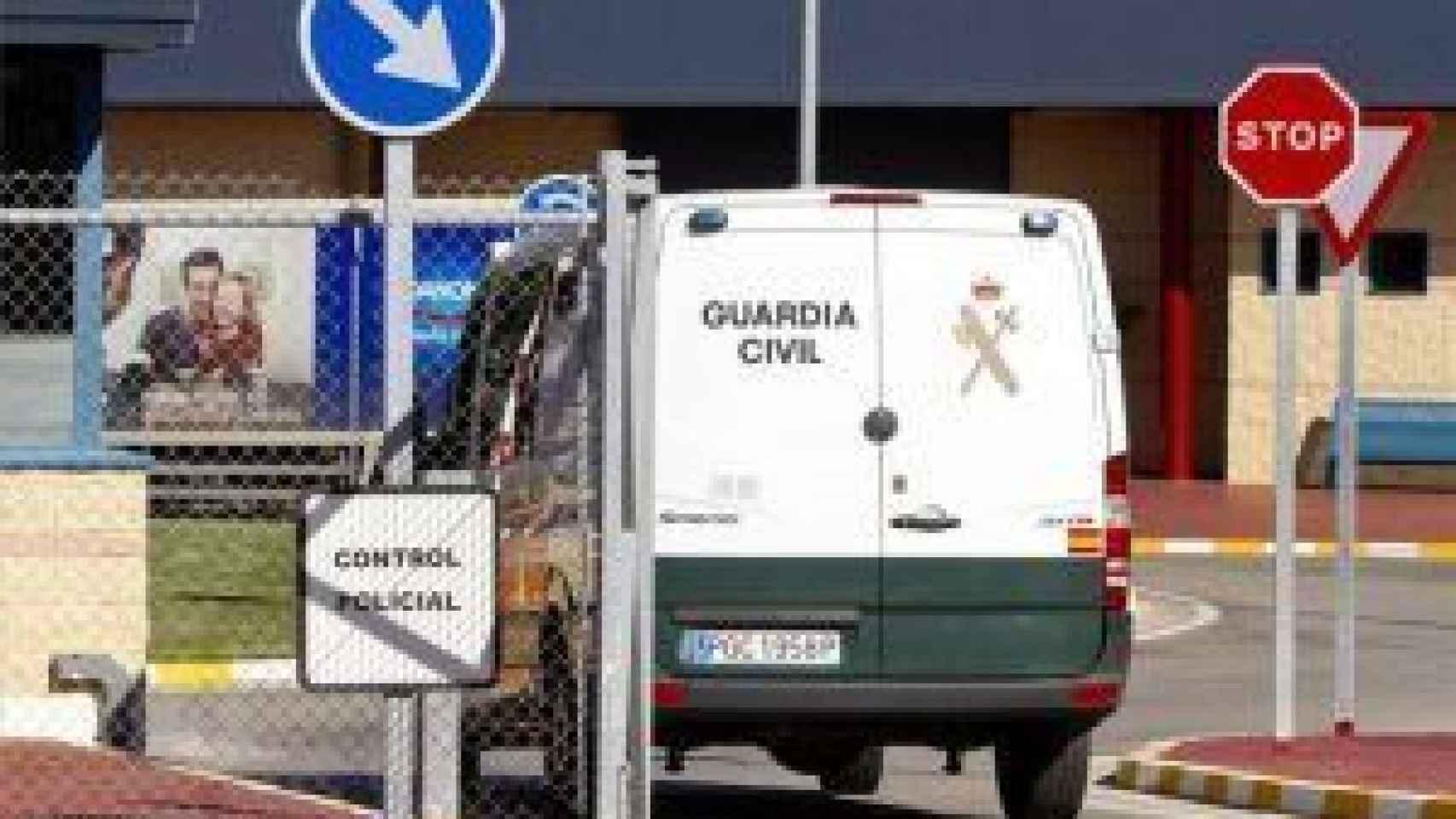 Un equipo especial de la Guardia Civil llevó al preso a Puerto III.