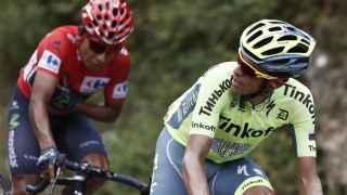 Contador observa a Nairo Quintana durante la 15ª etapa.
