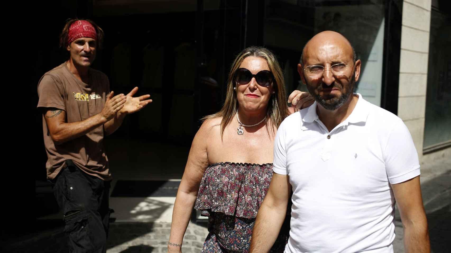Expapa del Palmar en Sevilla con su mujer
