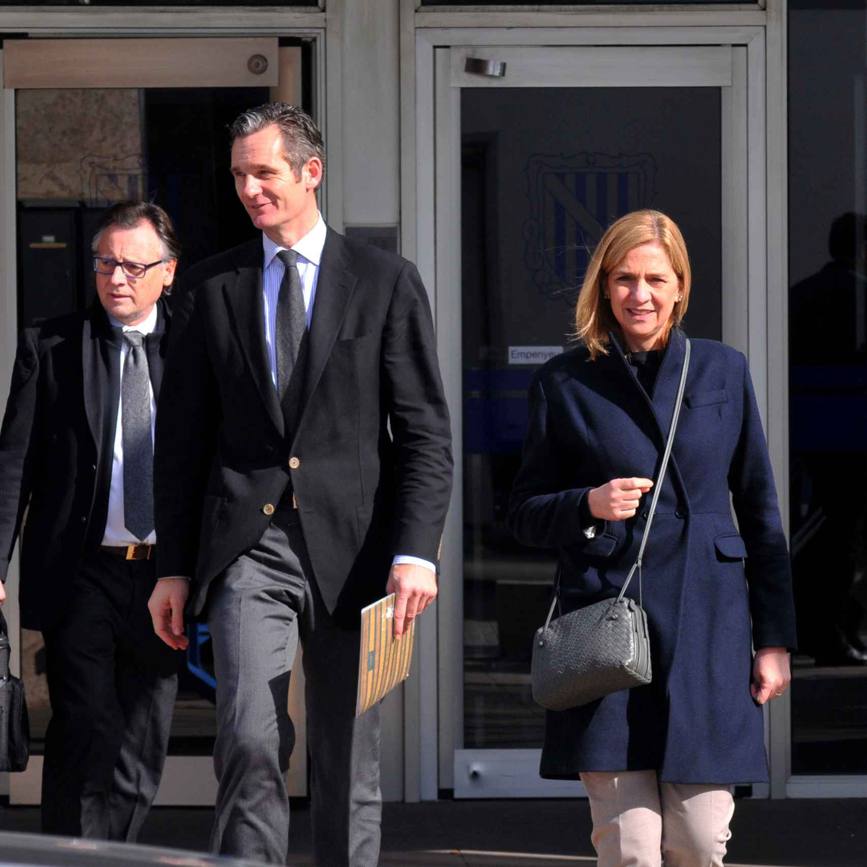 Iñaki y Cristina a la salida del juzgado.