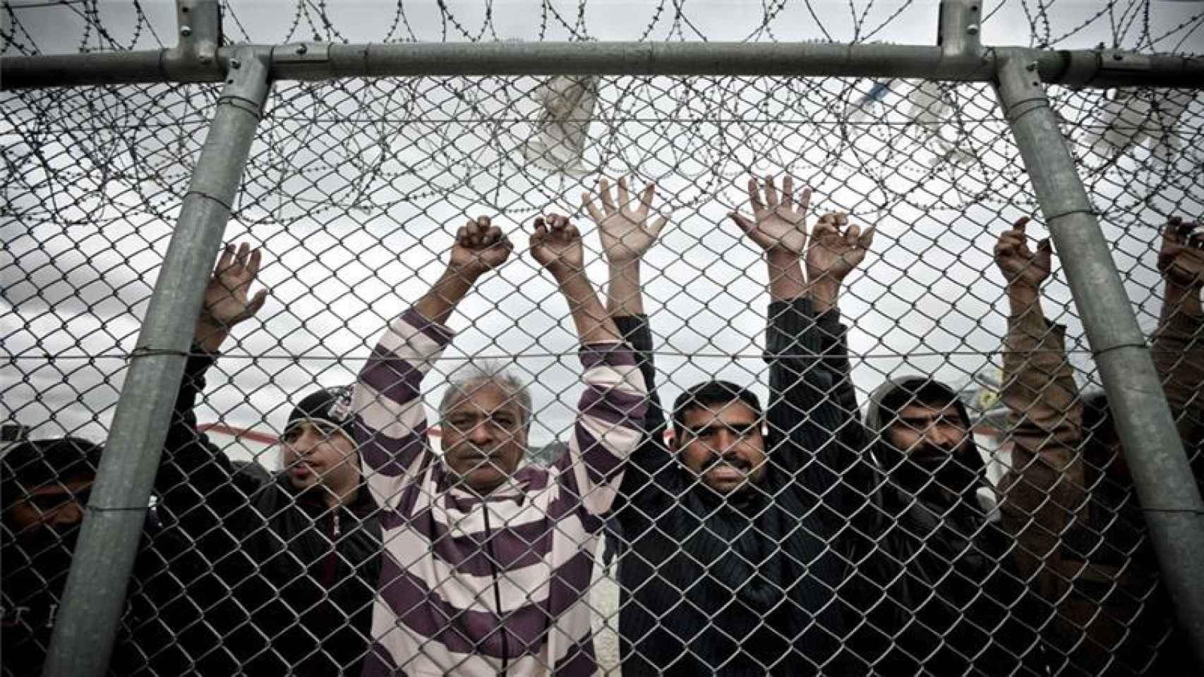 Refugiados en el centro de detención en Amygdaleza (Atenas).
