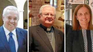A la izquierda, Mariano España; en el centro, el obispo Javier Salinas; a la derecha, Sonia Valenzuela.