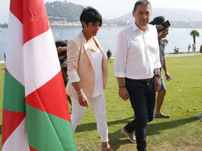 Maddalen Iriarte y Arnaldo Otegi en una imagen reciente.
