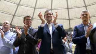 Alberto Núñez Feijóo y Mariano Rajoy a su llegada a la plaza de toros de Pontevedra