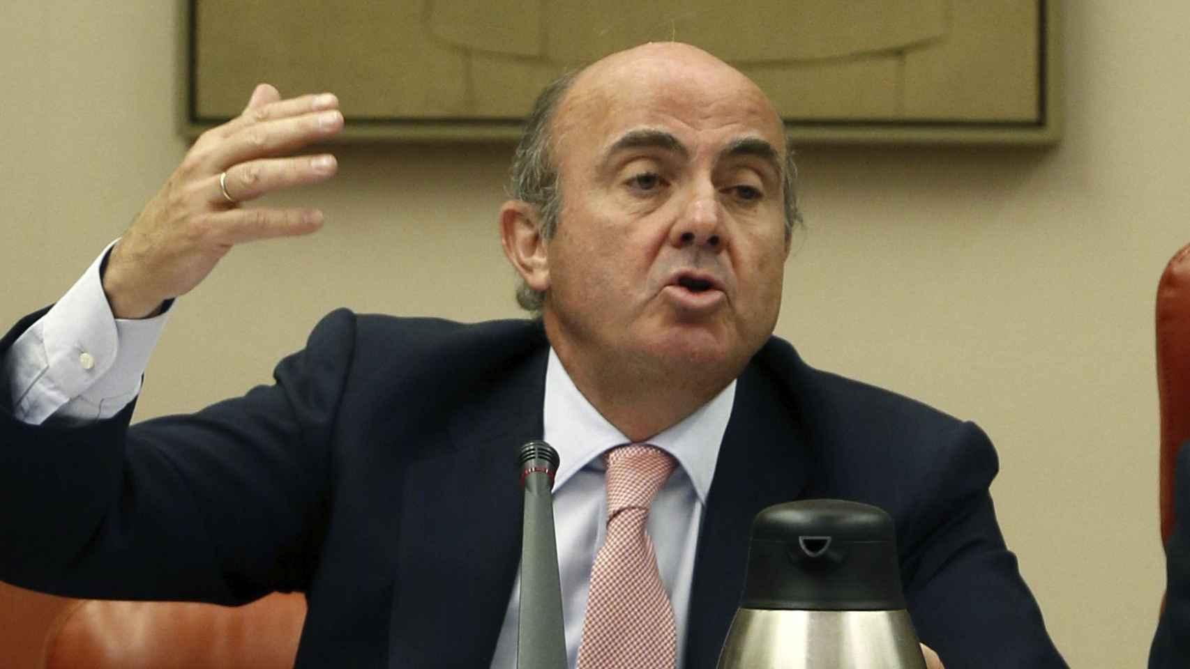 Luis de Guindos en su comparecencia ante la Comisión de Economía