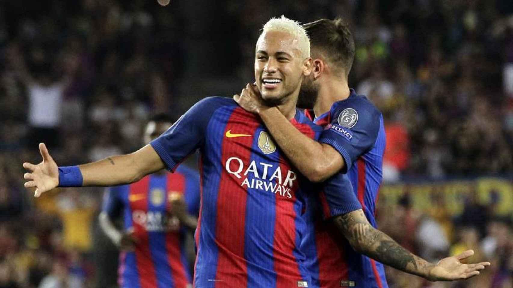 Neymar celebra su gol ante el Celtic.