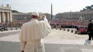 Francisco defiende que todas las religiones persiguen la paz.
