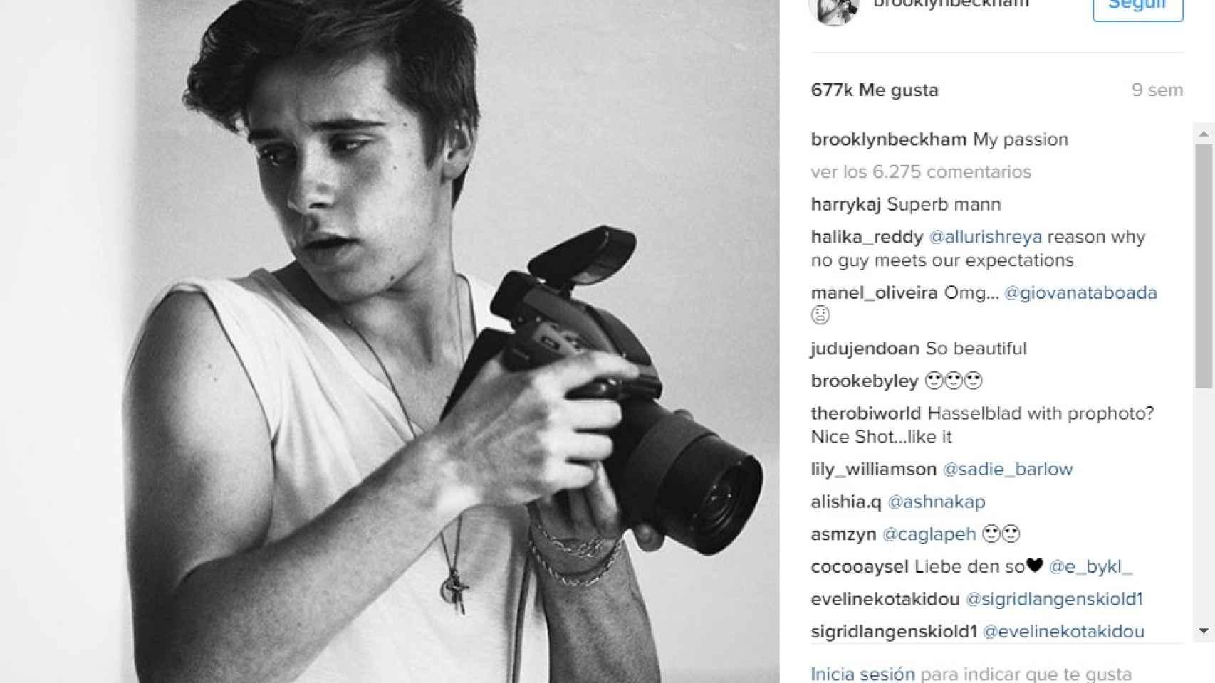 En su Instagram se pueden ver multitud de fotos en las que demuestra su pasión y posa con su cámara.