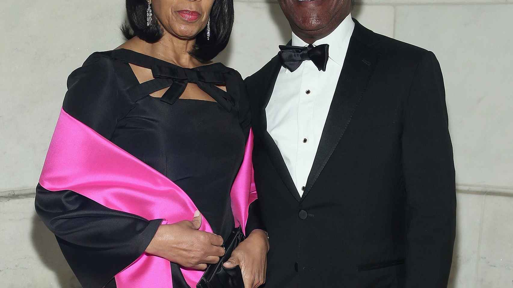 El presidente del fondo GIP, Adebayo Ogunlesi, y su esposa Amelia.