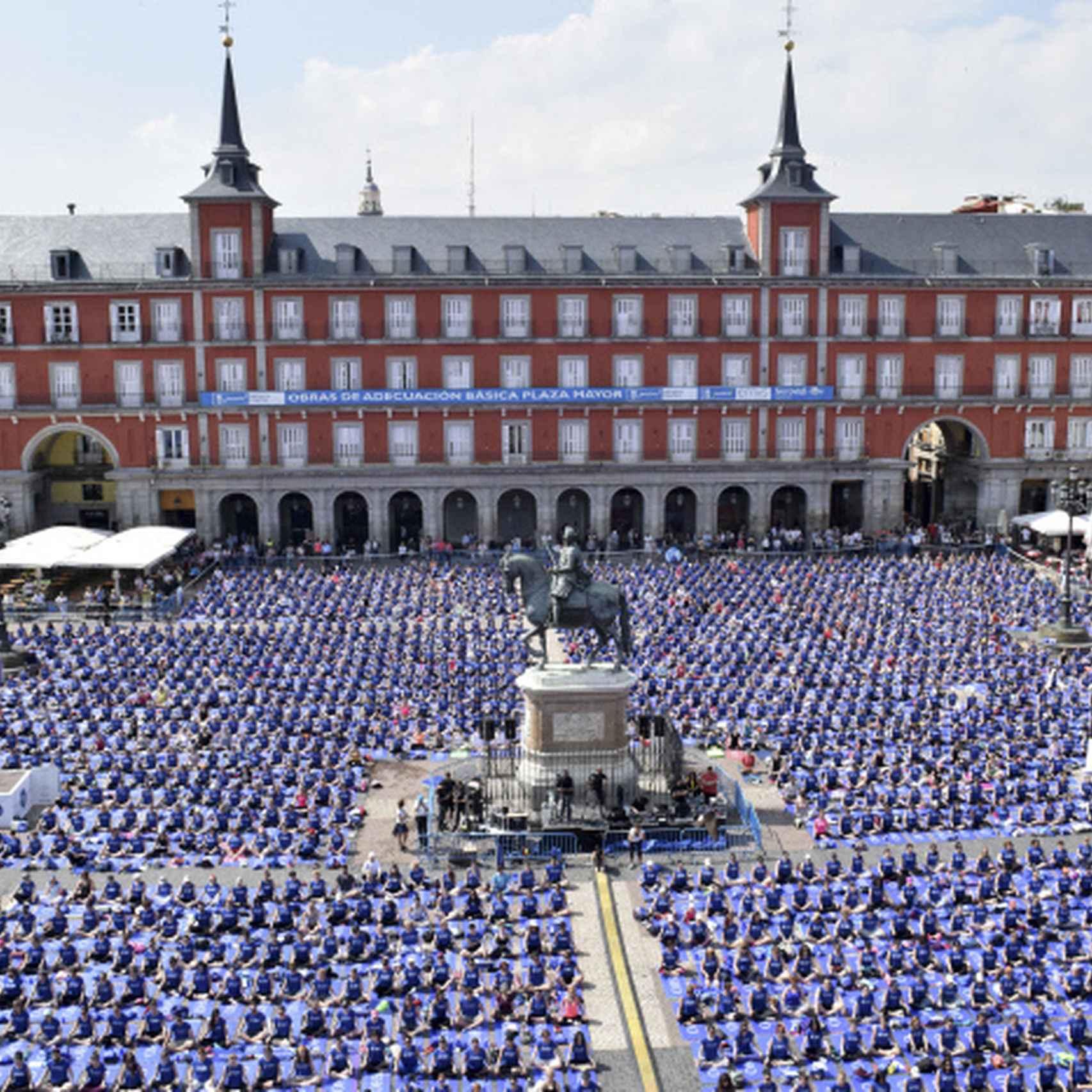 """Evento """"Free Yoga by Oysho"""" que se celebro en Junio de 2016 en la Plaza Mayor de Madrid."""