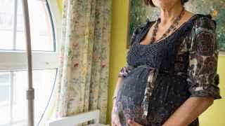 Lina Álvarez, embarazada a los 62 años.