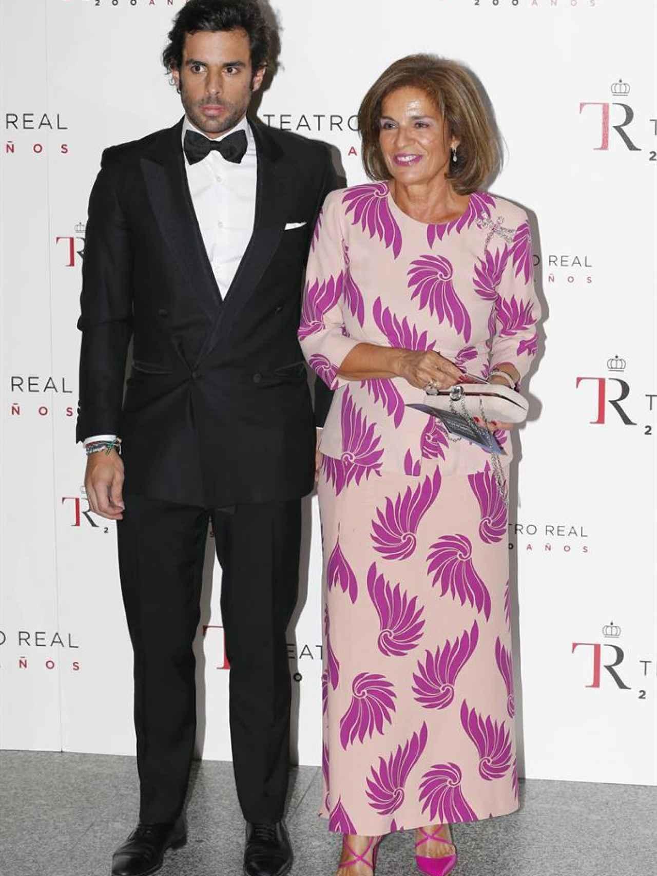 Ana Botella y su hijo Alonso Aznar