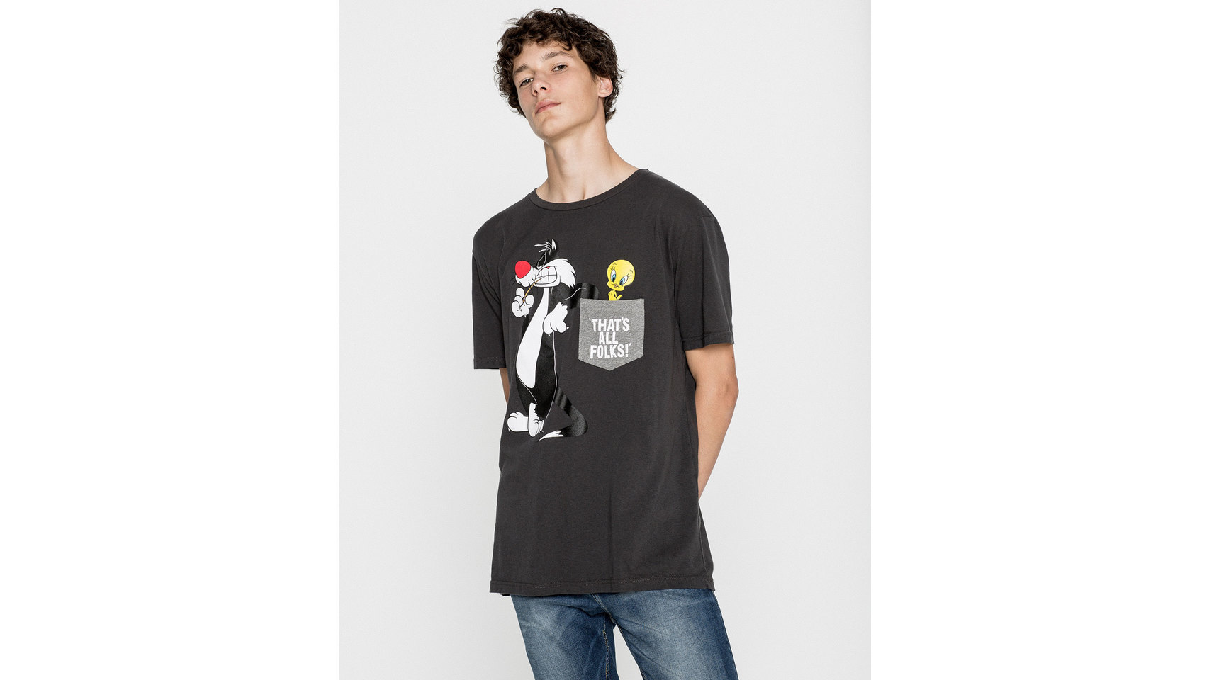 Camiseta con dibujo de Looney Tunes de Pull and Bear.