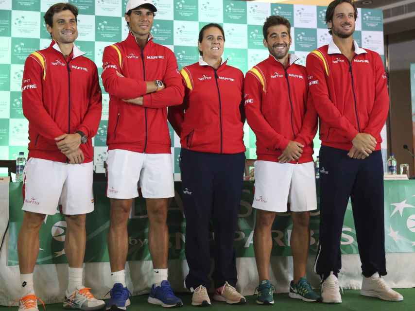 El equipo español de la Davis, después de la conferencia de prensa.