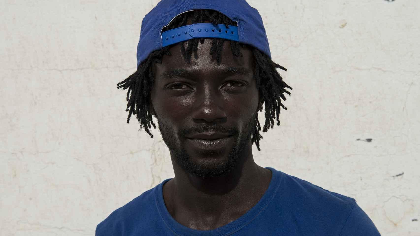 Guengane Yannick habla francés, inglés y ha estudiado informática.