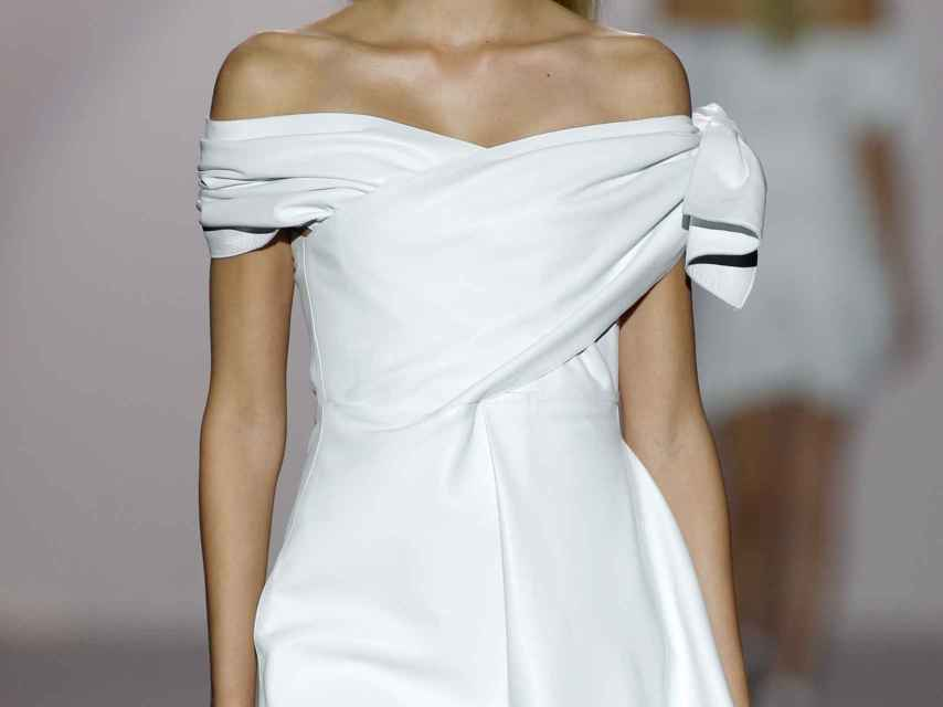 Gafas de sol con cristal casi opaco.