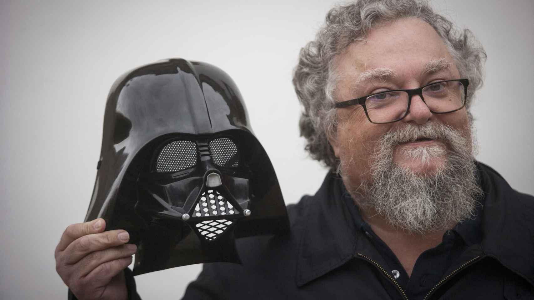 César González, más conocido como Tacho, puso la voz en gallego a Darth Vader.