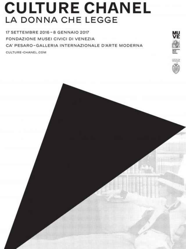 Cartel de la exposición de coco Chanel en Venecia.