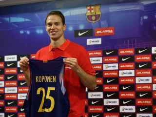 Koponen, en su presentación con el FC Barcelona.