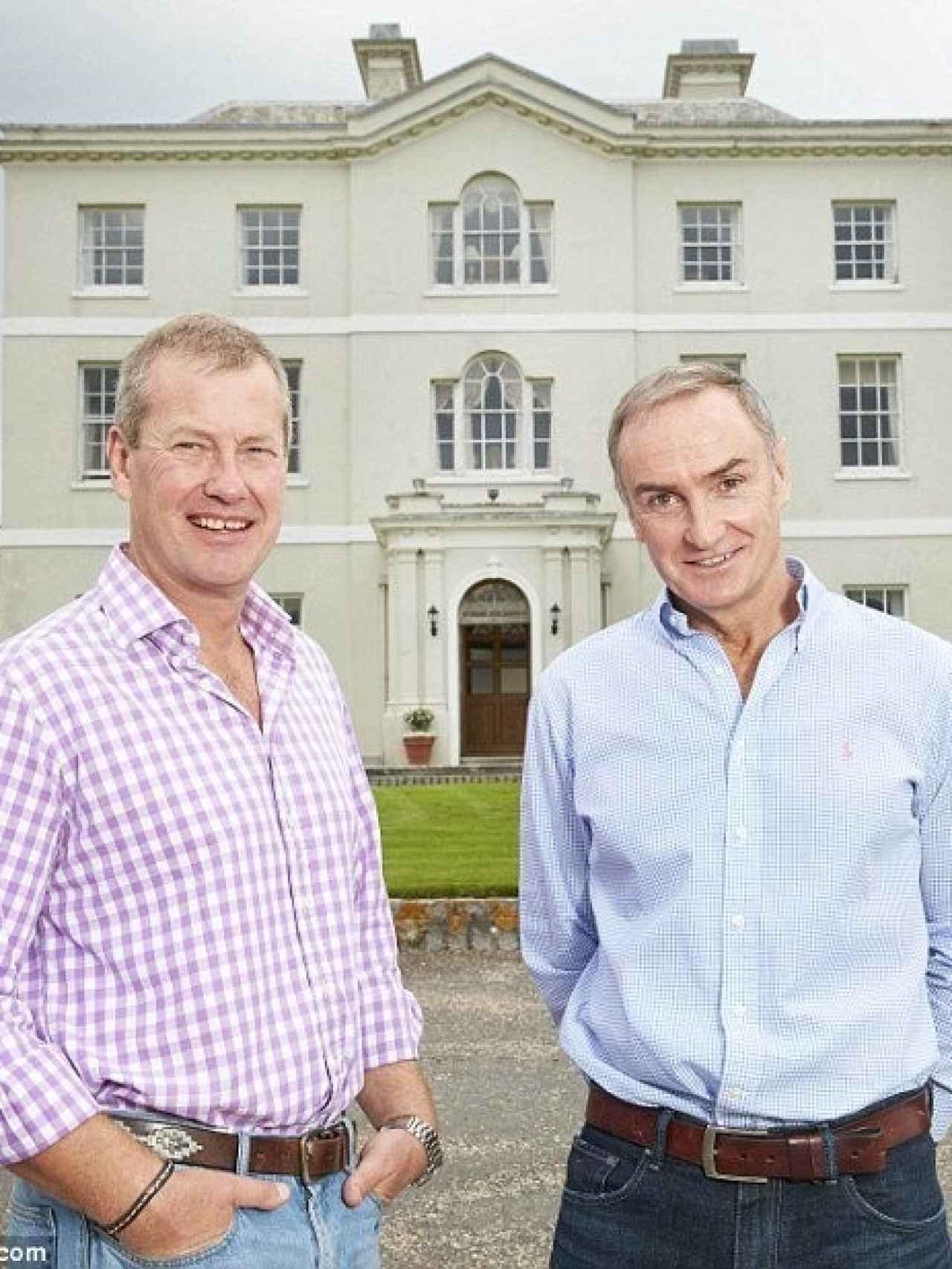 Lord Ivar Mountbatten con su novio James Coyle
