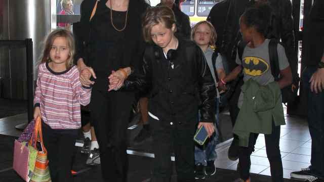 La pareja tiene seis hijos en común, tres adoptados y tres biológicos