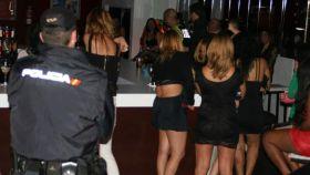 Prostitutas en España: la mafia rumana copa los burdeles del país