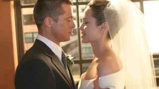 Angelina Jolie y Brad Pitt el día de su boda.