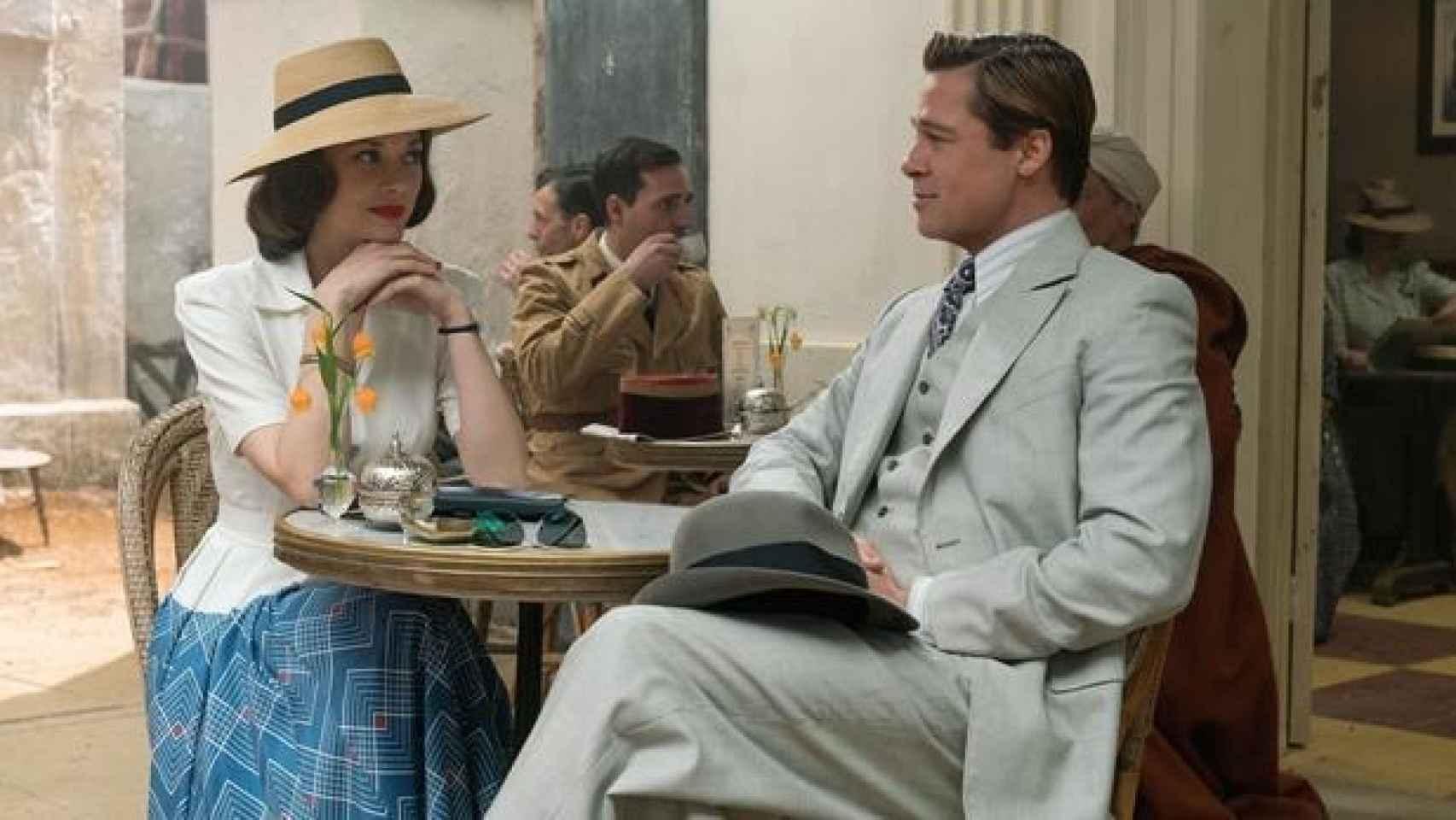 Brad Pitt y Marion Cotillard en un descanso del rodaje de la película.