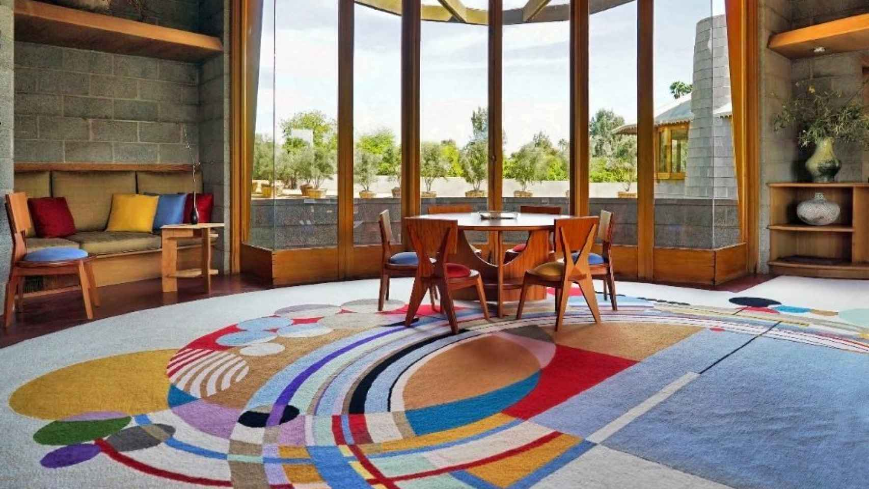 Casa de David y Gladys Wright en Phoenix (Arizona). Frank Lloyd Wright diseñó edificio, muebles y jardín en 1950.