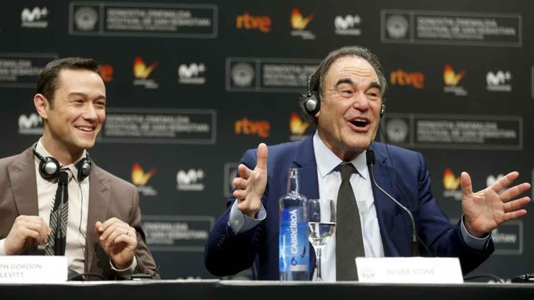 Oliver Stone durante su rueda de prensa en el Zinemaldia.
