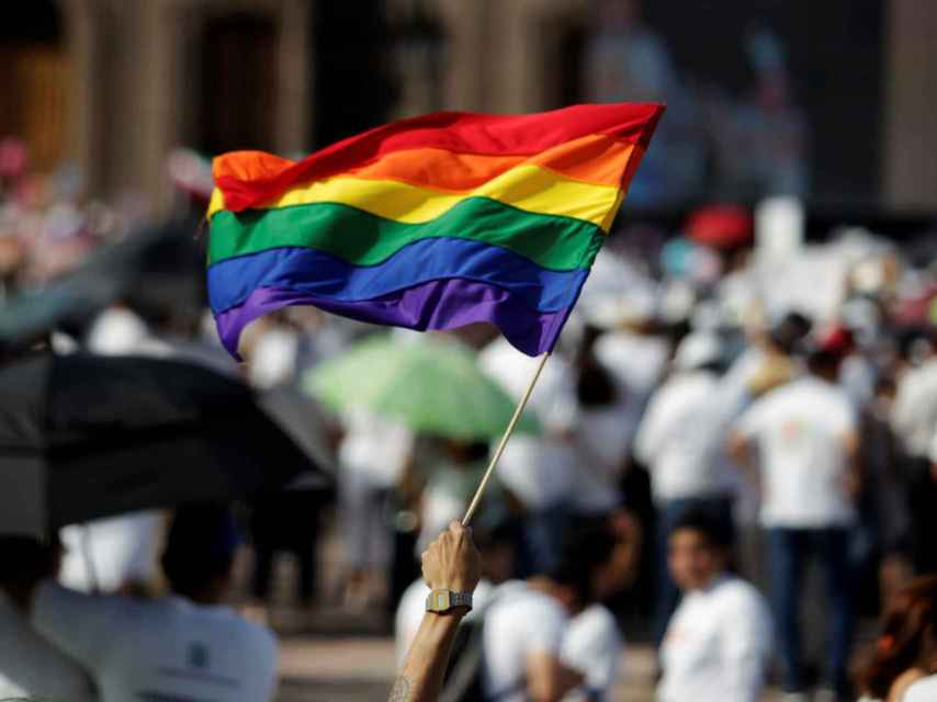 Peña Nieto propone legalizar el matrimonio gay en todo el país.