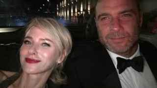 Otra conmoción en Hollywood: Naomi Watts rompe con su pareja tras 11 años y dos hijos en común