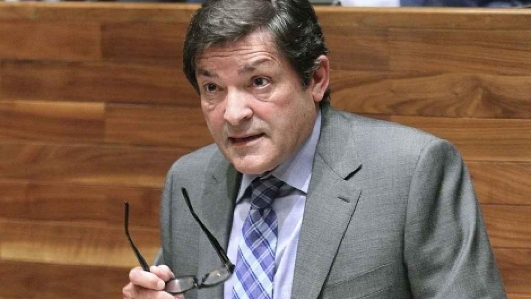 Javier Fernández, en el Parlamento asturiano