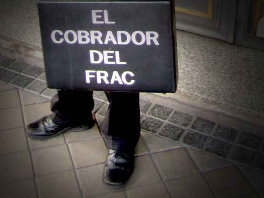 El Cobrador del Frac, especialista en el cobro de morosos y deudas.