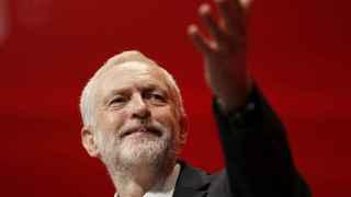 El gabinete de Corbyn dimitió en bloque tras el brexit.