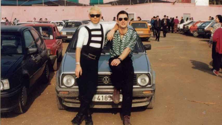 Dos ruteros en el parking de una discoteca de Valencia