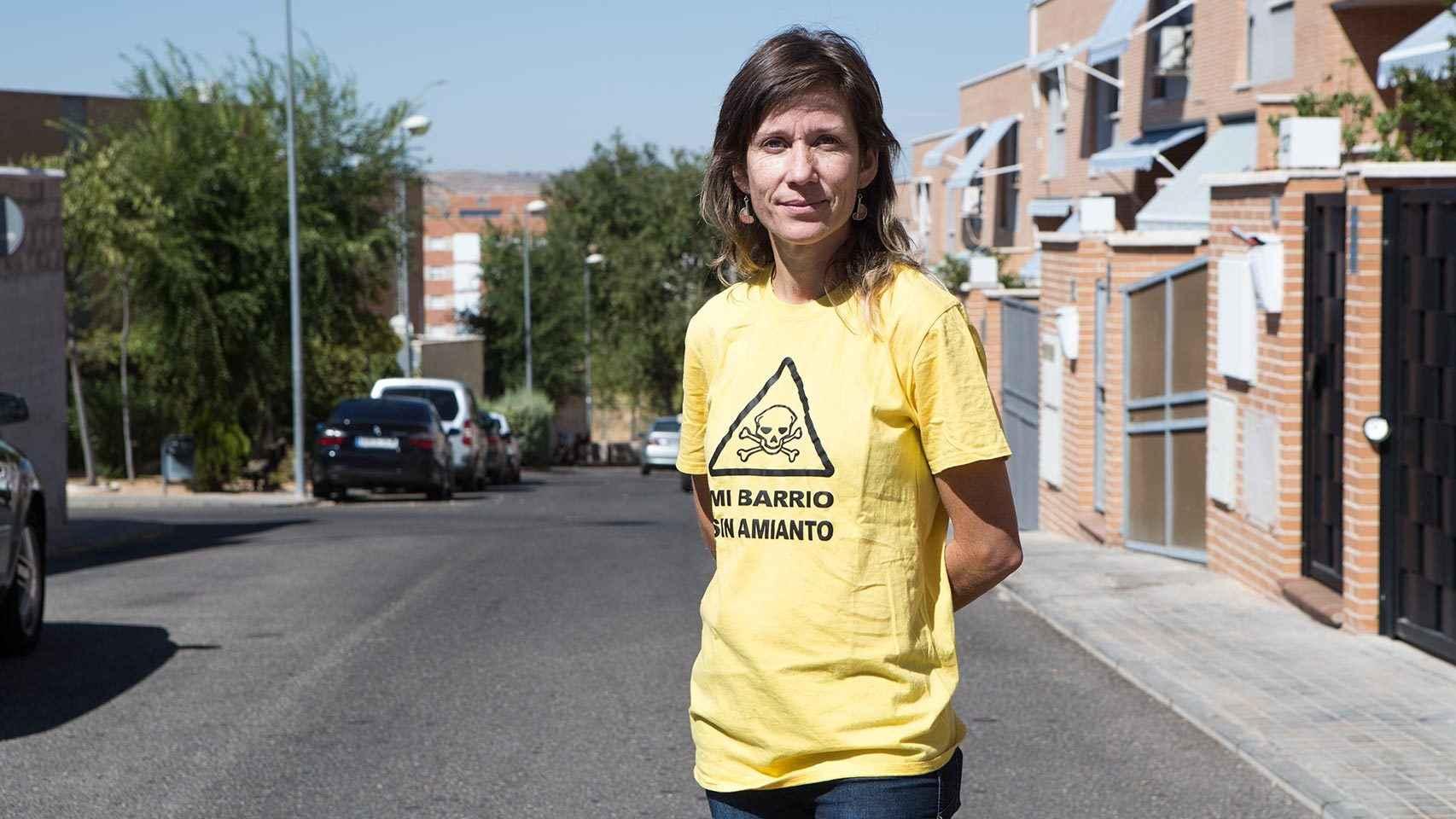 Eva Sanz posa en su barrio.