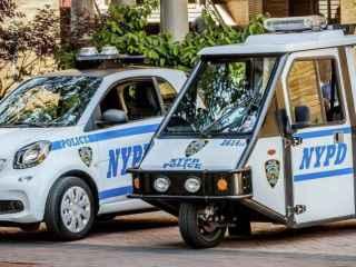 Smart ForTwo para multarte, la policía de Nueva York jubila sus motocarros