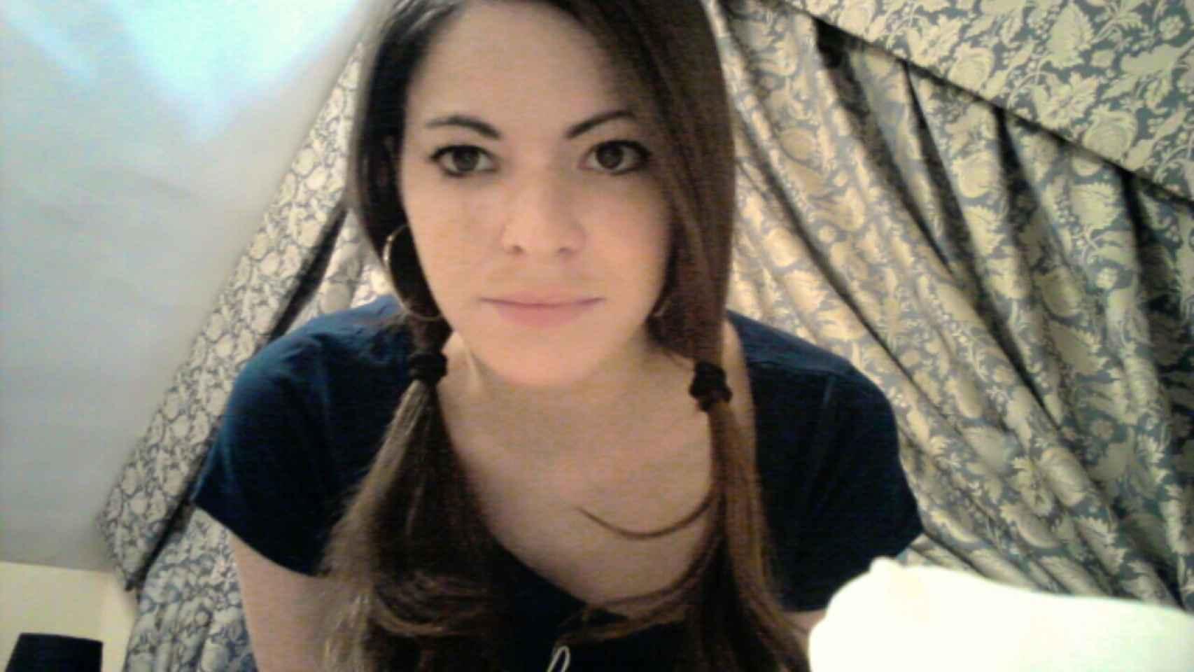 Ana Isabel Barruecos, con 32 años, ha pasado ya 100 veces por quirófano debido a una enfermedad crónica.