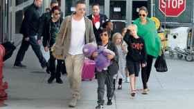 Angelina y Brad con sus hijos