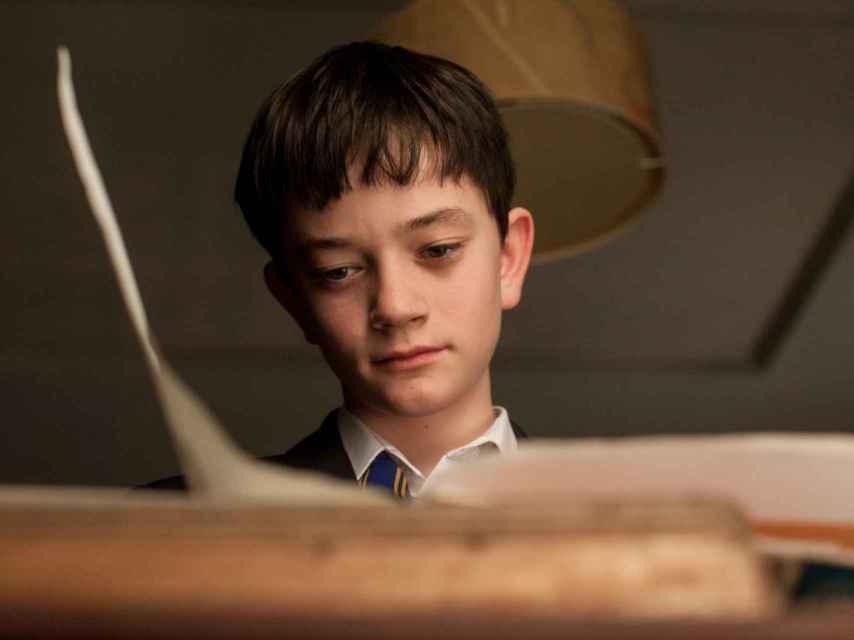 Lewis MacDougall, el protagonista de Un monstruo viene a verme.