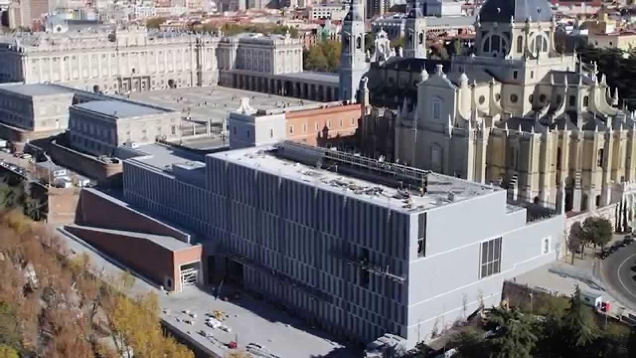 Vista exterior del Museo de las Colecciones Reales.