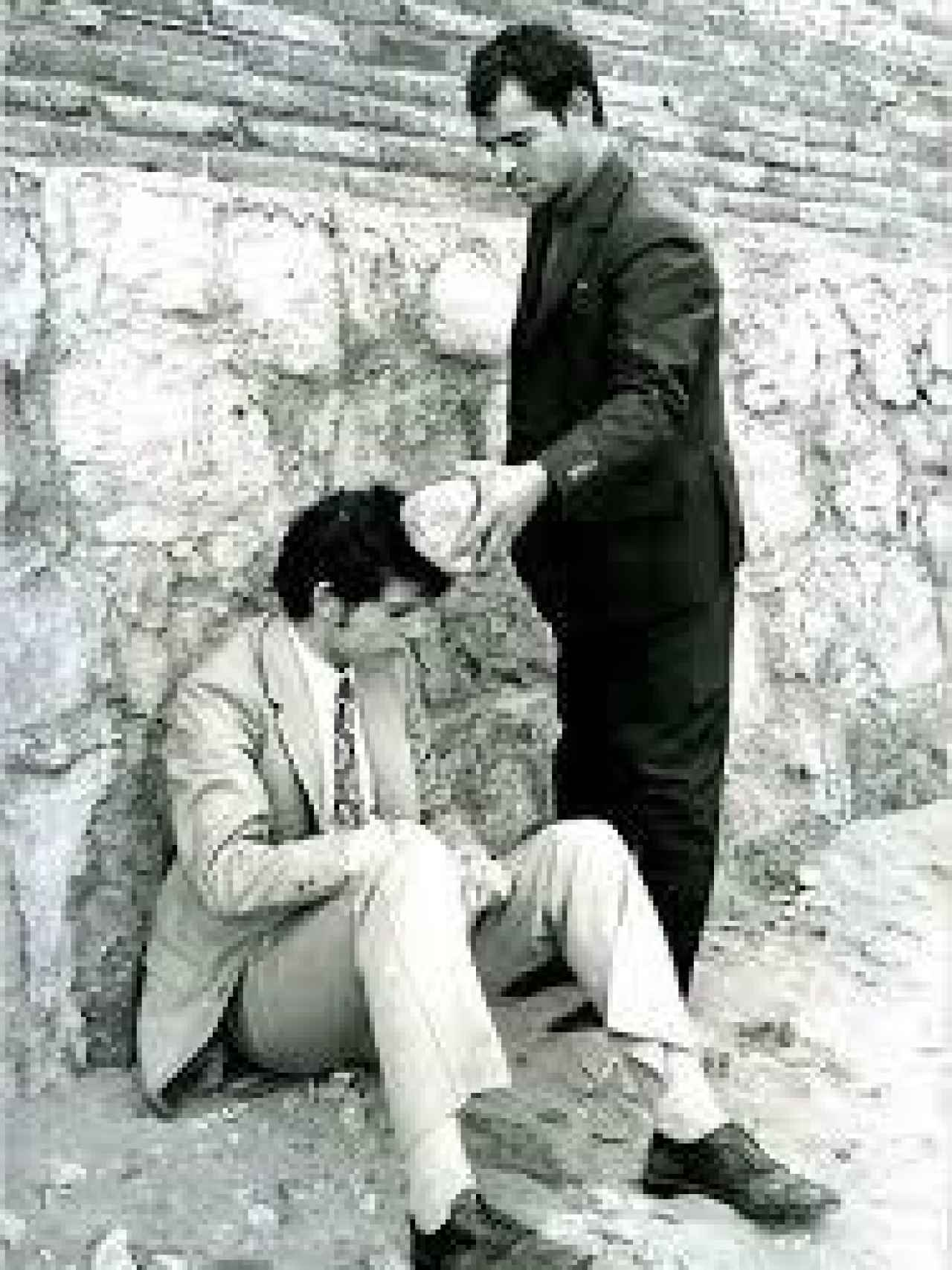 El Arropiero muestra a uno de los policías como mató a su primera víctima.