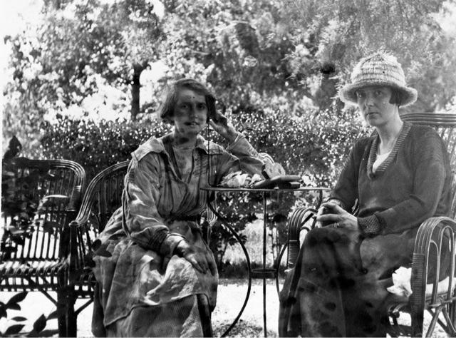 Ida Baker y Katherine Mansfield, amigas desde la adolescencia y amantes.
