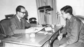 D. Felipe Segovia Olmo con un alumno.