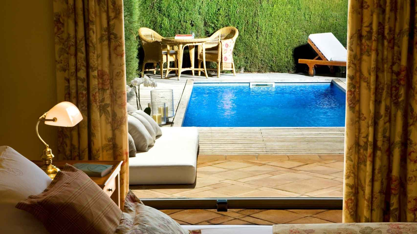 No molesten por favor habitaci n con piscina privada for Piscina isla leon