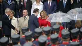 Mariano Rajoy saluda a Susana Díaz a su llegada al Día de la Fiesta Nacional.