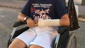 Adrián padece sarcoma de Ewing, un tumor maligno que afecta a los huesos.