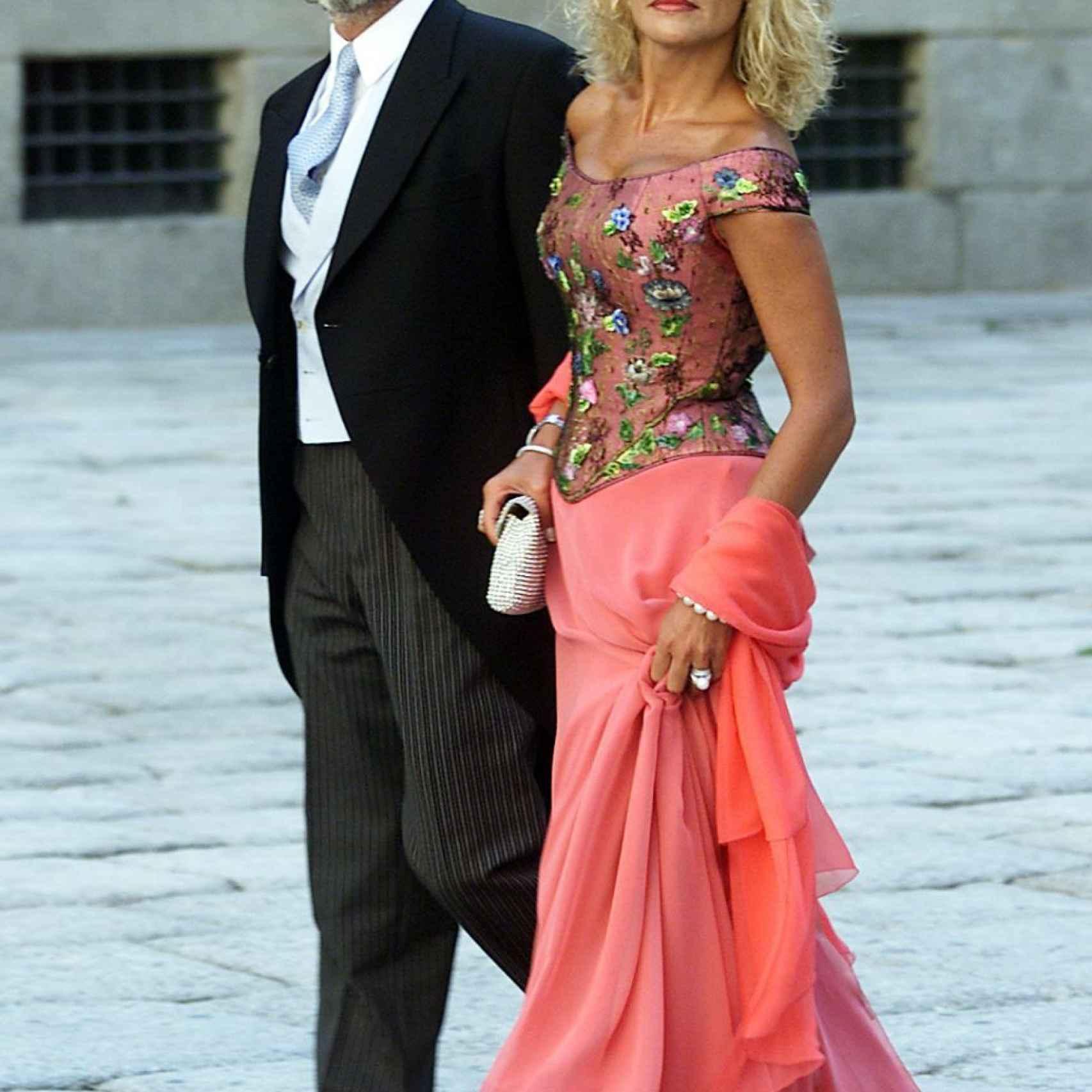 Correa, su mujer y el Caprile en la boda de la hija de Aznar en 2002.